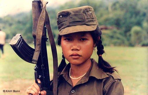 niña soldado